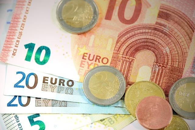 AACID incluye gastos millonarios en su presupuesto para apoyo a los ´expatriados´
