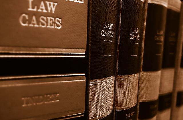 Los abogados suben salario a trabajadores